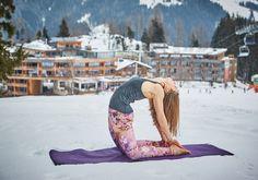 Coole Abwechslung mit Yoga in the Snow Salzburg, Bergen, Zell Am See, Bean Bag Chair, Fitness, Dance Floors, Kaprun, Ski Trips, Alps