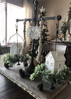 Christmas/winter balance scale – Before and Afters Remodel Ideas Winter Home Decor, Fall Decor, Diy Home Decor, Seasonal Decor, Holiday Decor, Farmhouse Christmas Decor, Tray Decor, Decorating Your Home, Decorating Ideas