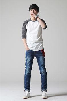 Baseball tees, jeans and white sneaker #menstyle #mensfashion #koreanfashion
