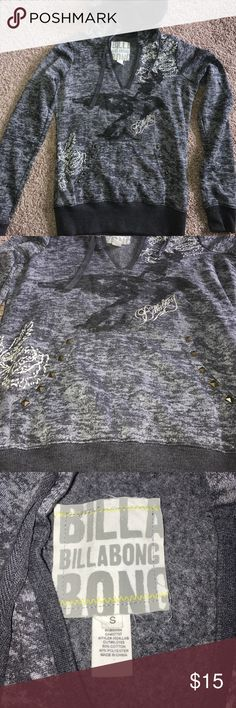 V-neck billabong sweatshirt Grey v-neck sweatshirt with studded pockets Billabong Tops Sweatshirts & Hoodies
