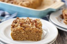This scrumptious low carb Keto Pumpkin Cake is delicious with a cream cheese layer sandwiched between the cake and crunchy pecan streusel topping. Homemade Pumpkin Puree, Pumpkin Cake Recipes, Pumpkin Dessert, Pumpkin Bars, Pumpkin Bread, Pumpkin Spice, Keto Friendly Desserts, Low Carb Desserts, Diabetic Desserts