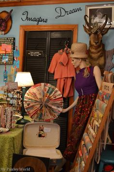 Visit The Curiosity Shoppe with me - a fun vintage store in Lititz, PA. On My Paisley World - http://mypaisleyworld.blogspot.com/