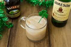 Homemade Baileys Irish Cream...easy & delicious! Enjoy it in coffee, tea, on ice, or in baked goods... #recipes #vegan