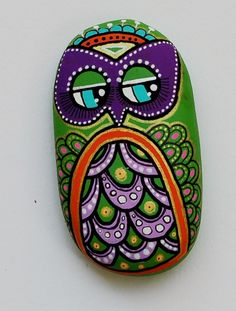 Hand Painted Pebble Owl by ISassiDellAdriatico on Etsy, €14.99