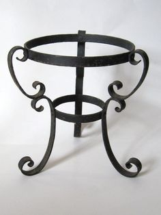 Vintage 1960s Black Wrought Iron Metal Scroll Planter Vase Globe Stand Holder..Gothic Medieval French Paris Chic Steampunk: