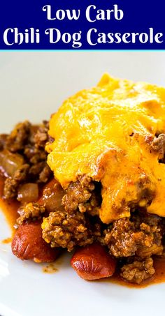 Low Carb Chili Dog Casserole covered with cheese - Skinny Southern Recipes - HotDog Low Carb Chili, Low Carb Diet, Calorie Diet, Low Carb Cocktails, Low Carb Dinner Recipes, Keto Recipes, Healthy Recipes, Dessert Recipes, Healthy Food