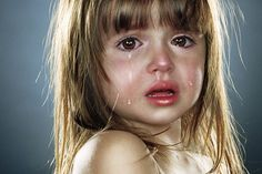 """Crying Children Photo Serie """"end times"""" by Jill Greenberg, a Photographer from Canada"""
