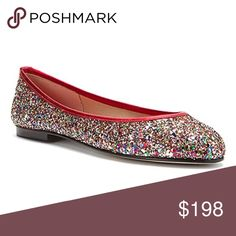 French Sole Glitter flats Add sparkle to your step in the French Sole Olivia flat. Brazilian made, this twinkly women's slip-on shoe goes everywhere in a glitter fabric upper with a leather or metallic leather topline trim and heel stripe. A breathable fabric lining and leather sockliner help keep the foot cool and comfortable, while a classic leather sole offers natural flexibility to your stride in the French Sole Olivia flat. Fabric lining Glitter fabric upper Leather or metallic leather…