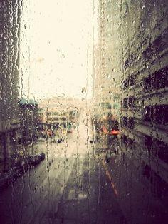 i love rain Sound Of Rain, Singing In The Rain, Rainy Night, Rainy Days, Rainy Mood, Street Photography, Art Photography, I Love Rain, When It Rains