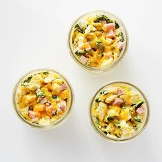 Learn how to prepare this easy Slow Cooker Mason Jar Omelets recipe like a pro. Slow Cooker Recipes, Low Carb Recipes, Crockpot Recipes, Cooking Recipes, Jar Recipes, Drink Recipes, Mason Jar Meals, Meals In A Jar, Breakfast