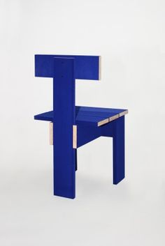 new-surface-strategies-chair-from-soft-baroque-2015-01