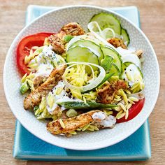 Now cook Greek pasta salad with turkey gyros in 5 minutes and discover numerous other Weight Watchers recipes. Now cook Greek pasta salad with turkey gyros in 5 minutes and discover numerous other Weight Watchers recipes. Grilling Recipes, Slow Cooker Recipes, Crockpot Recipes, Chicken Recipes, Keto Chicken, Greek Salad Pasta, Vegetarian Recipes, Healthy Recipes, Calamari