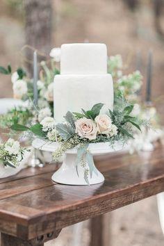 Secrets About Wedding Cakes Elegant Simple Romantic Uncovered 93 - apikhome. Wedding Cake Fresh Flowers, Floral Wedding Cakes, Wedding Cake Rustic, Elegant Wedding Cakes, Wedding Cake Designs, Trendy Wedding, Wedding Table, Dream Wedding, Wedding Ideas