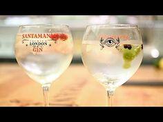 Hoy te enseñamos a hacer un delicioso  #gin   #tonic  en este sencillo  #tutorial   Gracias a +SANTAMANÍA ♦ Destilería Urbana ♦ por cedernos el espacio, la ginebra y preparar el cóctel