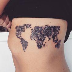 Esta tatuaxe teño claro que quero facelo porque ten as miñas cousas prefiridas , os mandalas e o mapa mundi