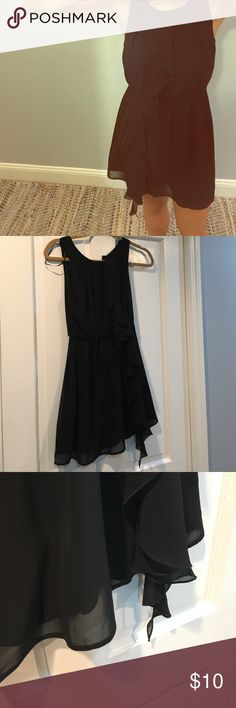 H&M ruffle mini dress Elastic at waist, cute ruffle design down front H&M Dresses Mini