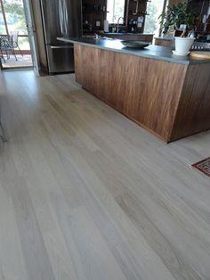 Mohawk Simplesse Driftwood Teak Onflooring Grey