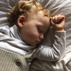 Schlaf schön und träum was Süßes! - Warum Kinder auch nach dem 1. Geburtstag noch nicht durchschlafen