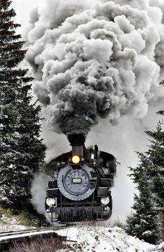 Winter Steam Train by Alex Shar This is Loco! As in Locomotive. Locomotive Diesel, Steam Locomotive, Cool Pictures, Cool Photos, Train Pictures, Interesting Photos, Old Trains, Vintage Trains, Orient Express