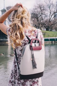 The warm weather is finally here! So, it's time to ditch the boring black and brown handbags for something a little brighter. Sharing my 3 favorite options from Popular Purses, Wholesale Purses, Versace Handbags, Leather Bag Pattern, Brown Handbags, O Bag, Luxury Purses, Tory Burch Bag, Handbags On Sale