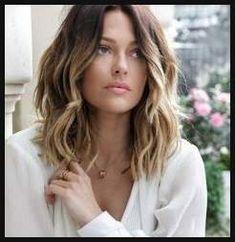 Frisuren mittellang: Schnitte und Stylings für schulterlange Haare ...   Einfache Frisuren