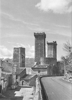 The Towers of Pacentro castle, in Abruzzo. 42°03′05″N 13°59′33″E