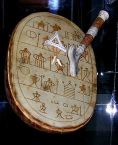 Copy of the rune drum belonging to the 100 year old Saami Anders Paulsen. Cultural Department of the Museum in Oslo, Norway. The rune drum was confiscated by the authorities of Vadsø in Photo by Sandivas. Arte Inuit, Kola Peninsula, Scandinavian Folk Art, My Heritage, Runes, Archaeology, Reindeer, Norway, Religion