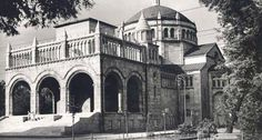 RegnumMarianum templom - Ötvenhatosok tere – Wikipédia