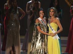 Miss Venezuela Dayana Mendoza,y Miss Colombia Taliana Vargas con los Nervios  y las Expectativas en el Top 2 del Miss Universo 2008, en espera del Resultado..