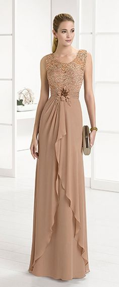 Chic Lace & Chiffon Scoop Neckline Full Length Sheath/Column Mother Of The Bride Dresses With Beadings & Handmade Flower