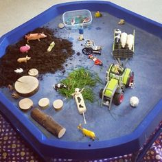 Small world play as a farm, lots of natural resources included.