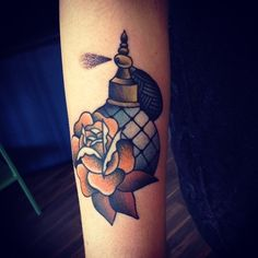 cassandra frances American Traditional Tattoo- I love this, I would just like it more feminine