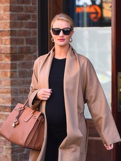 Rosie HuntingtonWhiteley seen out in Manhattanon April 9 2017 in New York City Rosie Huntington Whiteley, New York City, Duster Coat, People, Jackets, Pictures, Fashion, Down Jackets, Photos
