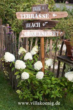 Bildergebnis für Garten Wegweiser