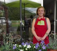 Le rêve de Clémence est devenu réalité. Elle a enfin créé et ouvert son magasin de fleurs./photo DDM, C.T