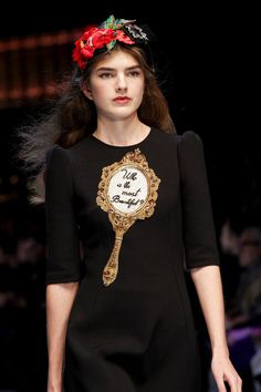 Mirror mirror on the wall.... Dolce & Gabbana Fall 2016 Ready-to-Wear Fashion Show Details