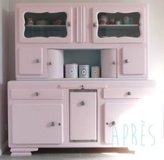 Use a buffet for towels on top and drink bar! Vintage Buffet, Vintage Kitchen, Vintage Wood, Vintage Pink, Upcycled Furniture, Vintage Furniture, Painted Furniture, Diy Furniture, Pastel Kitchen