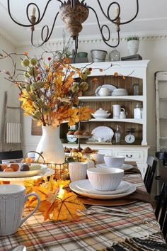 How to Pumpkin Spice Up Your Fall Entertaining - The Design Twins Fall Home Decor, Autumn Home, Holiday Decor, Farmhouse Kitchen Island, Farmhouse Style, Kitchen Islands, Pumpkin Spice Candle, Decorating On A Budget, Fall Decorating