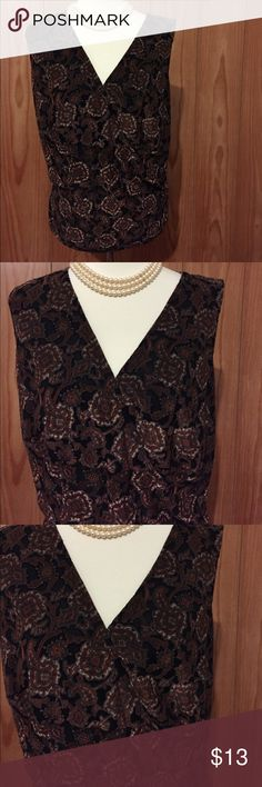 Lane Bryant 14/26 Sleeveless Blouse 👚 Brown sleeveless blouse. Wear it dressy or just with s pair of capris or jeans 👖 👍👍I will negotiate but not trade.👍👍 Lane Bryant Tops Blouses