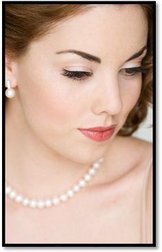 makeup- pin-up style