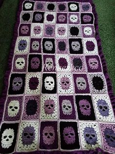 Skull blanket with a ruffle border! by ReneesKCC on Etsy Crochet Skull Patterns, Afghan Crochet Patterns, Crochet Squares, Crochet Granny, Crochet Stitches, Free Crochet, Knit Crochet, Blanket Patterns, Halloween Crochet