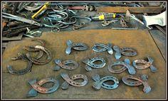 Peces Fishes  de una herradura  en hierro forjado