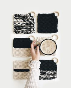 ⨯ The Croix Coasters Knitting pattern for beginners! Buy any 3 get 3 free. Simple, modern, color blocked home decor coasters.Knitting pattern for beginners! Buy any 3 get 3 free. Simple, modern, color blocked home decor coasters. Circular Knitting Needles, Knitting Stitches, Free Knitting, Knitting Squares, Summer Knitting, Knitting Yarn, Crochet Double, Single Crochet, Knit Crochet