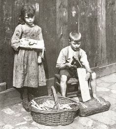 old 19th century children photos - These photos were taken by Horace Warner in 1912 in Spitalfields England