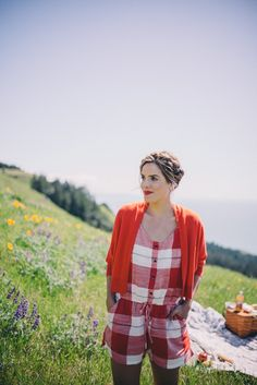 Gal Meets Glam Picnic in Mount Tam - Old Navy Romper and Sweater