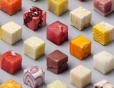 Lernert and Sander, deux artistes Néerlandais, ont coupé 98 cubes parfaits dans de la nourriture et en ont fait de magnifiques photographies. Ces photos sontdevenues très rapidement virales sur les réseaux sociaux. Et on comprend vite pourquoi! Tous