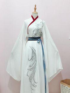Traditional Fashion, Traditional Dresses, Chinese Dress Traditional, Kimono Fashion, Fashion Outfits, Mode Kimono, Japanese Outfits, Japanese Dresses, Chinese Clothing