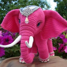 In this article I will share a wonderful amigurumi pattern again. You can enjoy this beautiful amigurumi elephant free english pattern.  Materials  Yarn Pekhorka children's novelty,  1 skein of the main color, half  skein of a different color  Hook 1.5-1.75 Crochet Patterns Amigurumi, Crochet Dolls, Crochet Baby, Knit Crochet, Learn Crochet, Amigurumi Toys, Free Crochet, Crochet Animal Patterns, Stuffed Animal Patterns