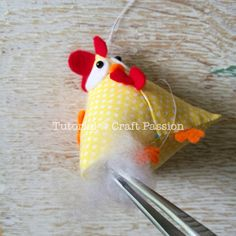 Quick & easy Chicken Pattern in Pyramid / Tetrahedron shape. Perfect to sew as ornament, pincushion, doorstop, bean bag, potpourri sachet & paper weight. – Page 2 of 2
