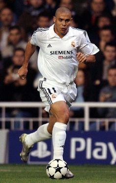 We remember the legendary Ronaldo Nazário de Lima Madrid Football Club, Football Awards, Football Drills, Best Football Team, Football Stadiums, Sport Football, Fotos Real Madrid, Real Madrid Club, Equipe Real Madrid
